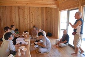談話室にて広田町大久保第2仮設団地にお住まいの皆様と第2期工事打ち合わせ&交流会